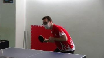 Down sendromlu Erman Çetiner'in masa tenisiyle hayatı değişti