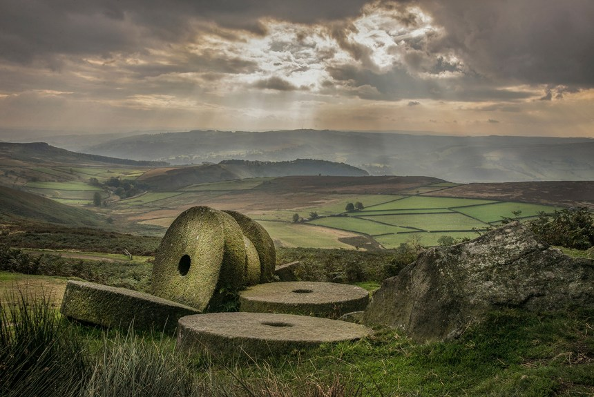 Stanage Edge Millstones_Jon Harris
