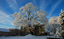 Kirkton-Church-in-snow_2(resize)