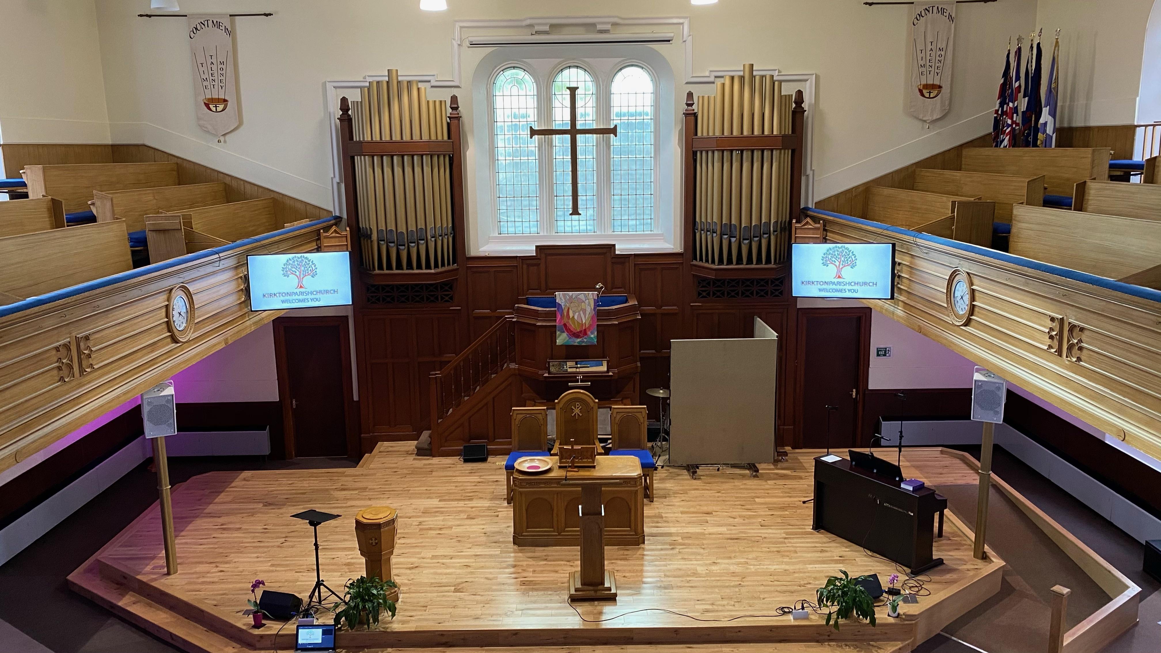 Kirkton Church Sanctuary - New Screens 2