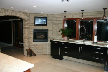 kitchen-stone-fireplace
