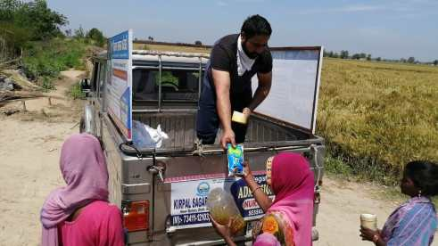 Distribution of oil and food items