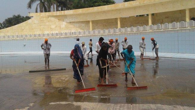 Brushing the Sarovar floor
