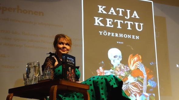 Yöperhosen julkistustilaisuus Ravintola Dubrovnikissa 11.8.2015