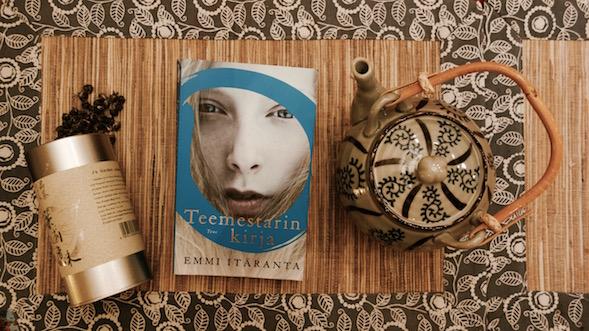 Teemestarin kirja on Emmi Itärannan esikoisteos.