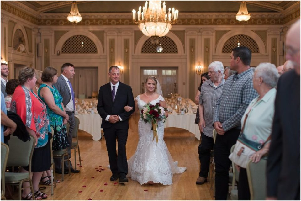 A Duluth Minnesota Wedding at Greysolon Ballroom by Kirsten Barbara. Click here to see more images from this beautiful wedding.