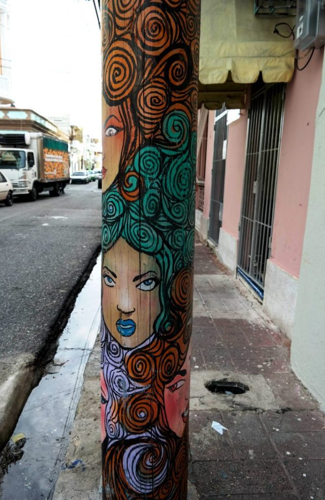 Santo Domingo lamppost by Kirsten Bukager
