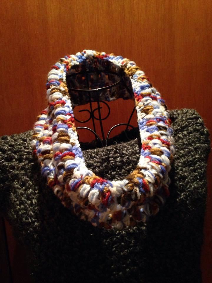 puff stitch cowl, free crochet pattern, infinity scarf