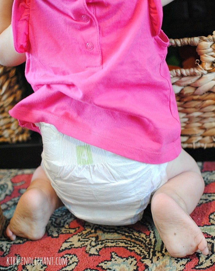 They care about your baby's skin AND your budget: H-E-B Baby Diapers. #HEBBabyDiapers AD