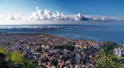 Kota Trabzon, kota kelahiran Sultan Sulaiman. Terletak di wilayah tenggara Republik Turki.