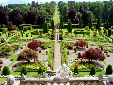 0_gom09-drummond-castle-gardens-main-view-jul