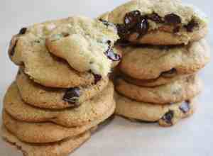 Chocolate Chip Cookies with Almond Flour is an easy cookie recipe for those trying to avoid using gluten containing flour.These chewy chocolate chip cookies are loaded with chocolate chips of your choosing.