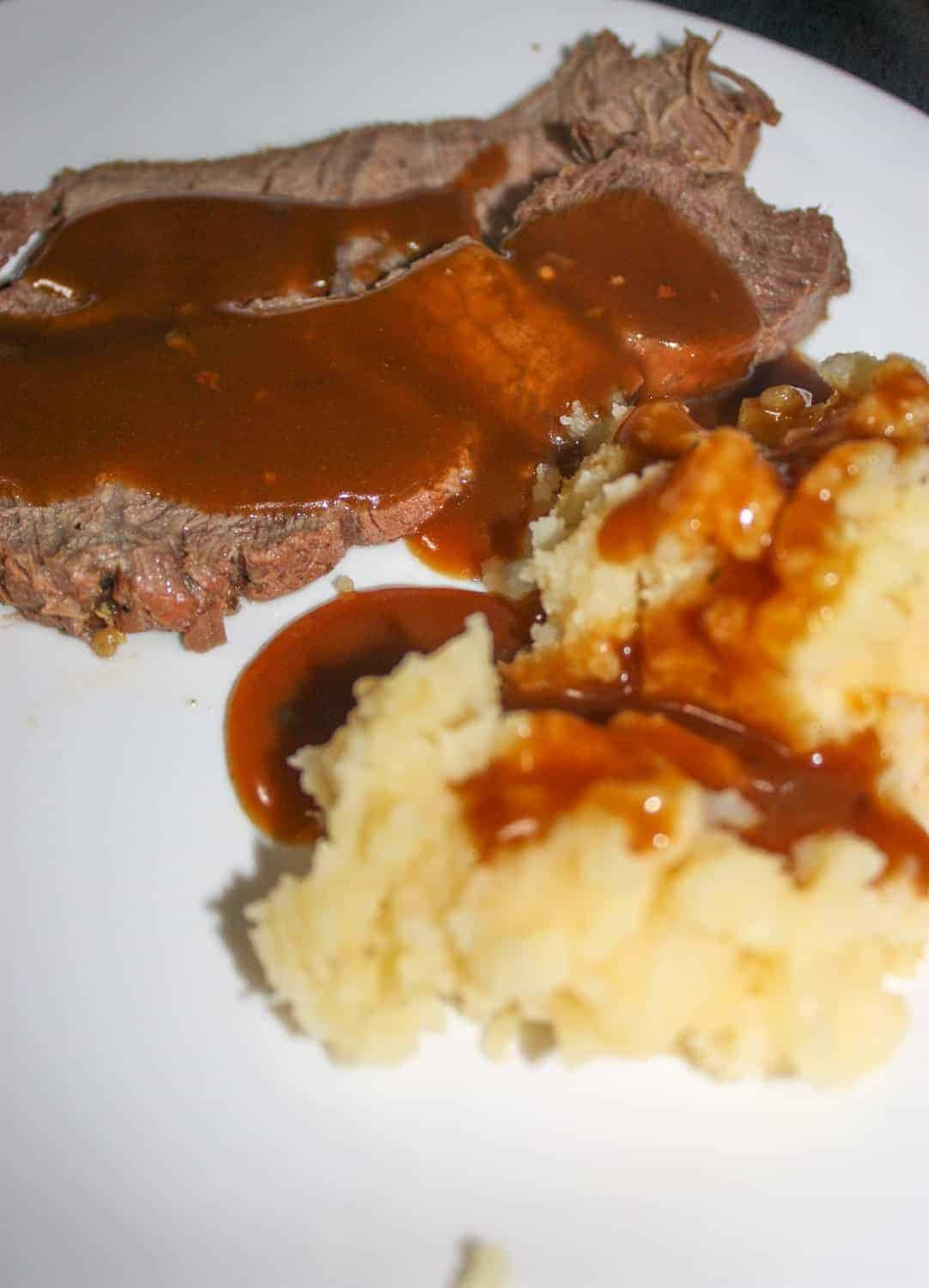 Sunday dinners can be made any day of the week when you have an Instant Pot.  Try out this Instant Pot Sirloin Roast with Mashed Potatoes and people will think you have been cooking for hours!