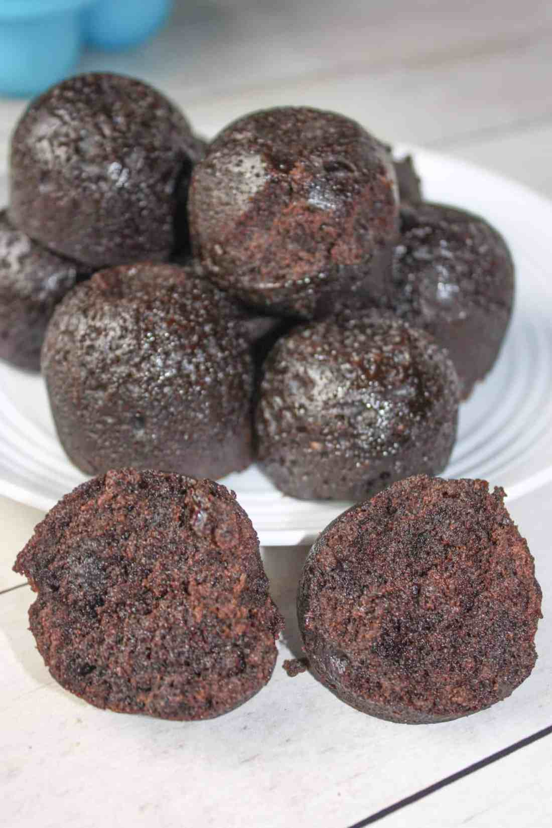 Instant Pot Brownies Bites are a delicious little treat. These moist, chocolate, pressure cooker bites will be a little slice of heaven for those that have to avoid gluten!