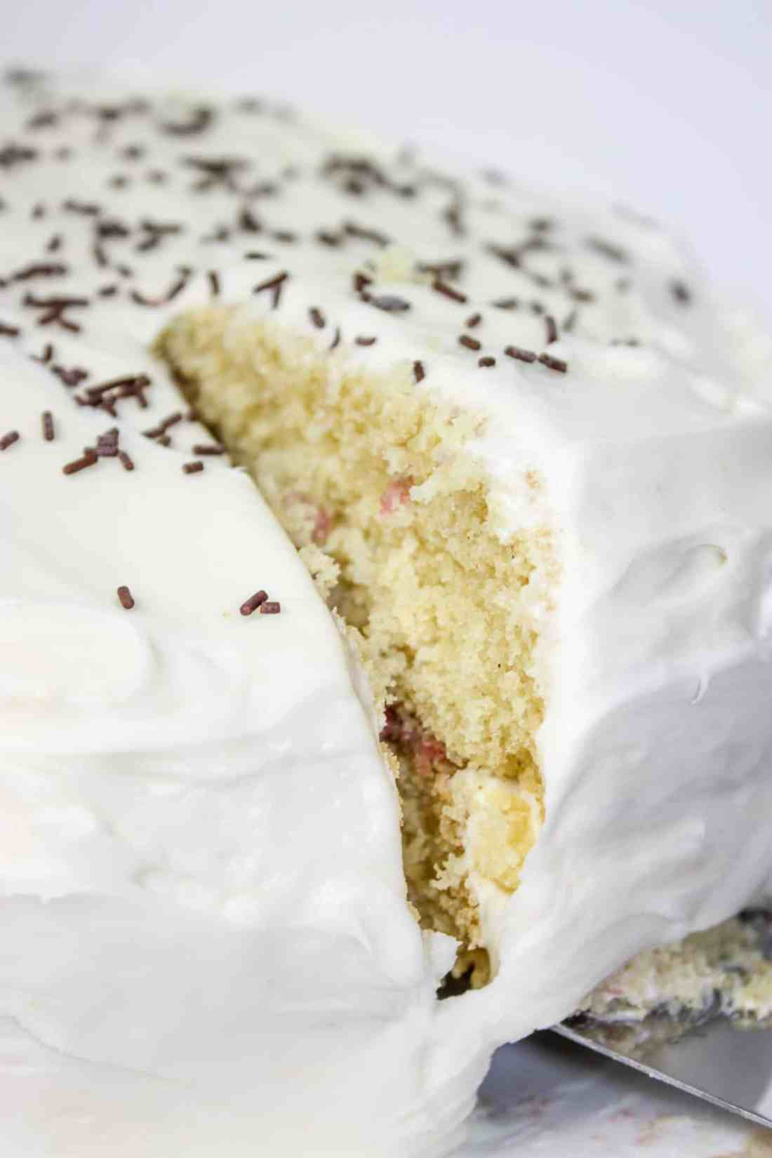 Gluten Free Vanilla Cake is an easy and very tasty dessert recipe that can be decorated, after baking, to suit any occasion.