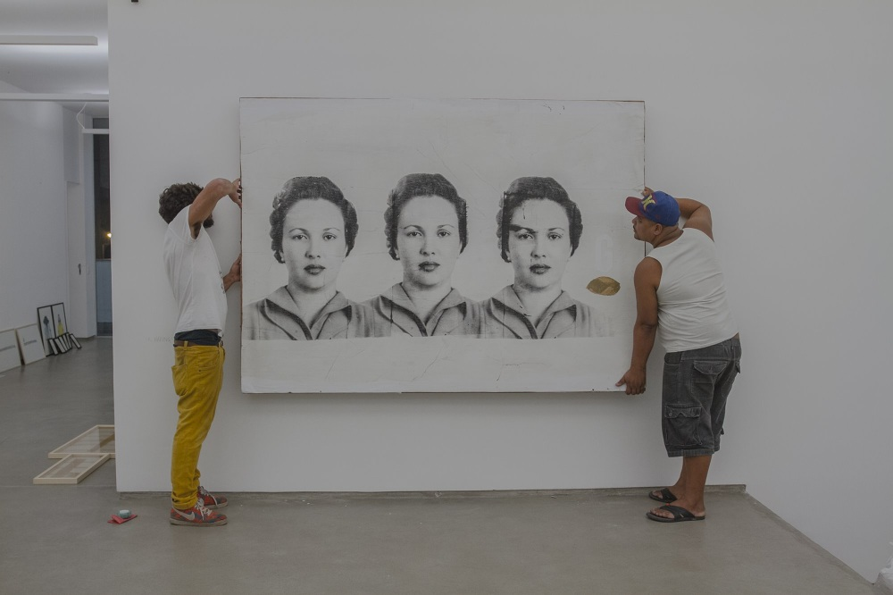 """Matilha exhibition by Marcelo Duarte in his gallery """"Graphos"""" in Rio de Janeiro"""
