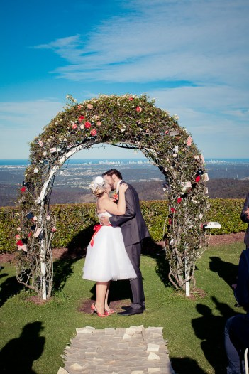alice-in-wonderland-wedding-eva-kyle-kiss-the-groom-photography-0513