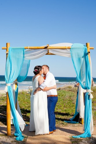 marriot-hotel-wedding-michelle-jade-kiss-the-groom-photography-0513