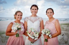 pat-fagan-park-kirra-beach-wedding-kiss-the-groom-photography-0691