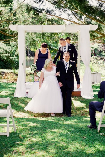 cedar-creek-winery-estate-wedding-kiss-the-groom-photography-38