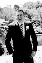 cedar-creek-winery-estate-wedding-kiss-the-groom-photography-6