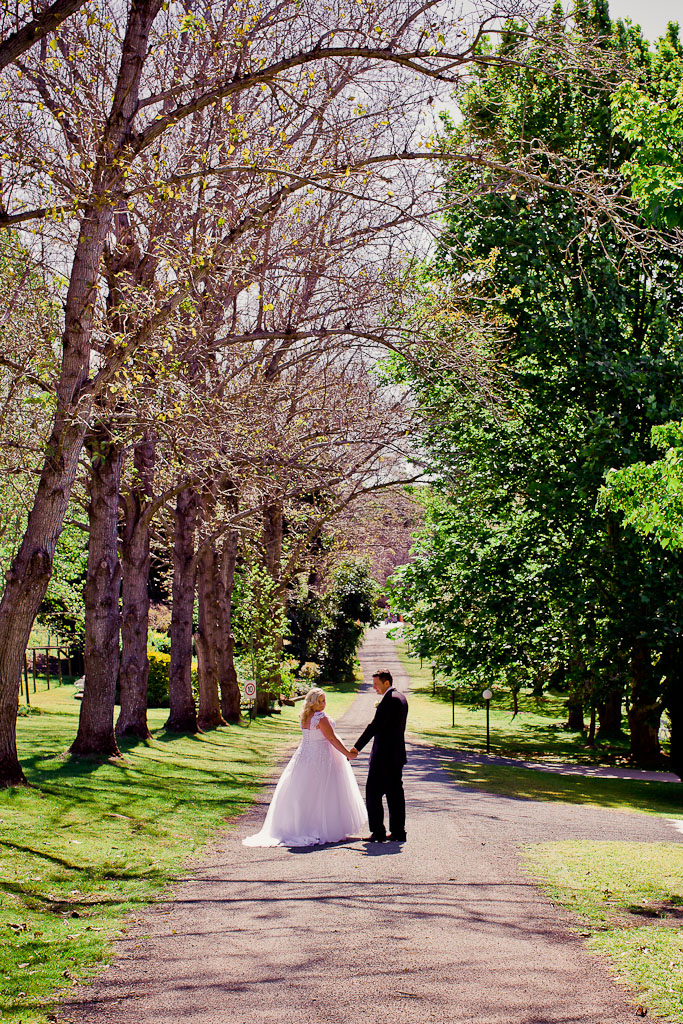 cedar-creek-winery-estate-wedding-kiss-the-groom-photography-69