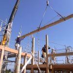 「大屋根でつつむ家」建て方