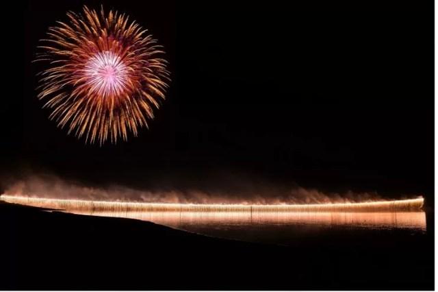 かなやま湖湖水まつりの花火
