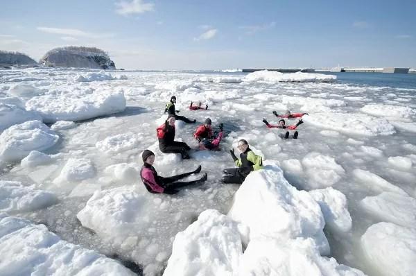 ウトロ ゴジラ岩観光 流氷遊ウォーク