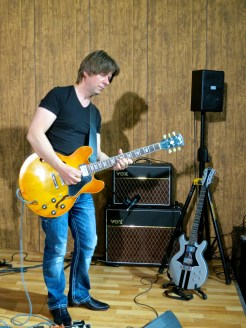 MM2015 – Vox Amplification