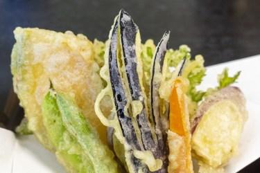 ナスの天ぷらの切り方とサクサク・美味しく揚げるコツを解説