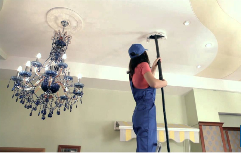 Cleanry cleans the stretch ceiling