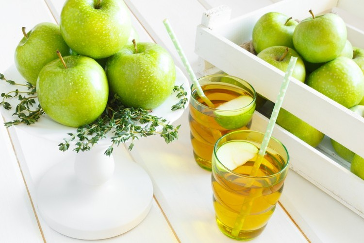 عصير التفاح الأخضر الصحي