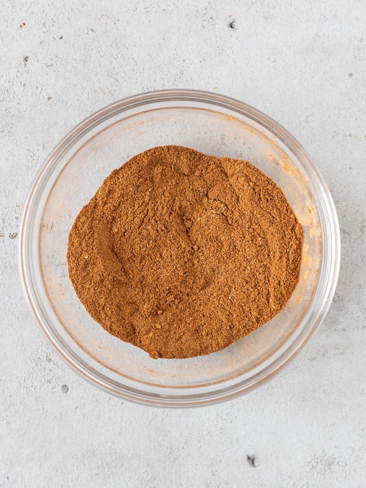 A bowl of apple pie spice mix