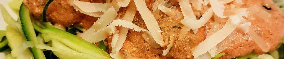 LowCarb Zucchini Julienne mit Tomaten Hackbällchen
