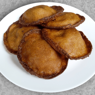 Neyyappam – A deep-fried Kerala delicacy (Vegan)