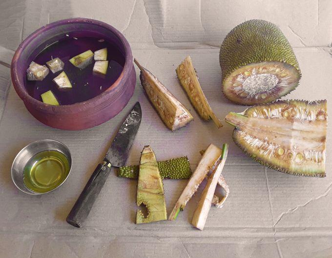 How to cut tender jackfruit