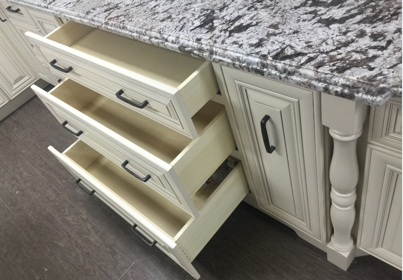 Ivory_white_classic_cabinet_vanity_drawers_close_up