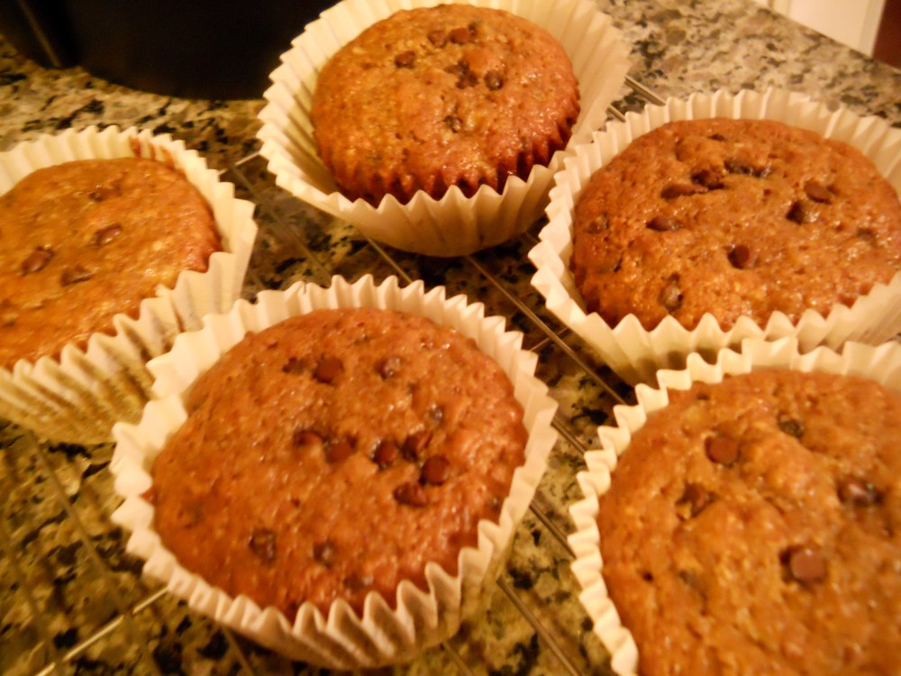 CHOCOLATE DOESN'T BELONG IN MUFFINS? TRY THESE BANANA CHOCO/CHIP DELIGHTS! (3/3)