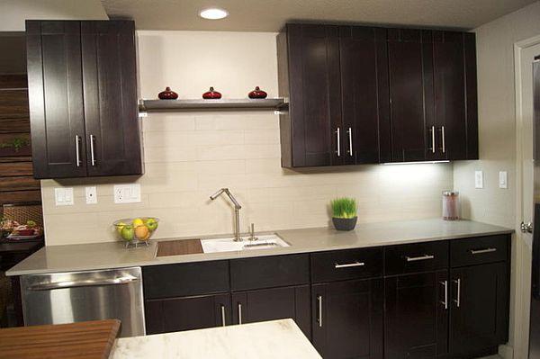 Mocha shaker kitchen cabinets
