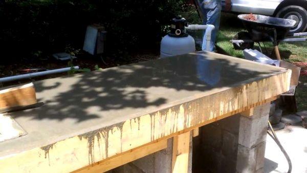 constructing an outdoor kitchen (5)