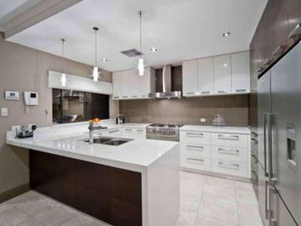 path of a modern kitchen (5)