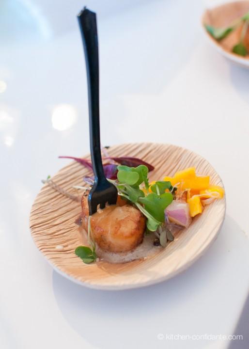 Bronzed Eastern Sea Scallop, Mango Dungeness Crab Ceviche & Blue Corn Crisp