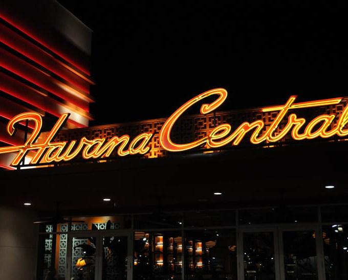 Bienvenidos a Cuba! Cuban Cuisine Comes to Long Island as Havana Central Opens at Roosevelt Field