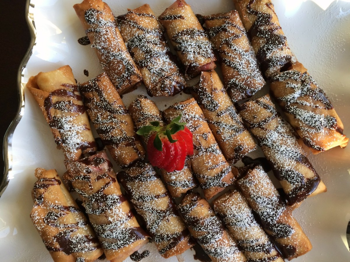 Strawberry Shrikhand/Cream Cheese Eggrolls with Chocolate Drizzle