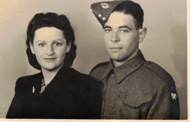 Kitchener camp, Berthold Ungermünz and Käthe Singer, Married in Margate synagogue, 16 December 1939, and Thanet Registry Office on 19th December 1939, Pioneer Corps uniform, Private 13800265