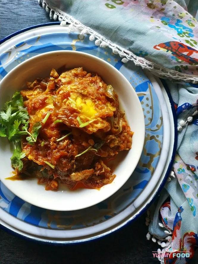 Hyderabadi Anday ka Khagina (Egg Khagina) is a simple, easy to cook and protein-rich recipe.