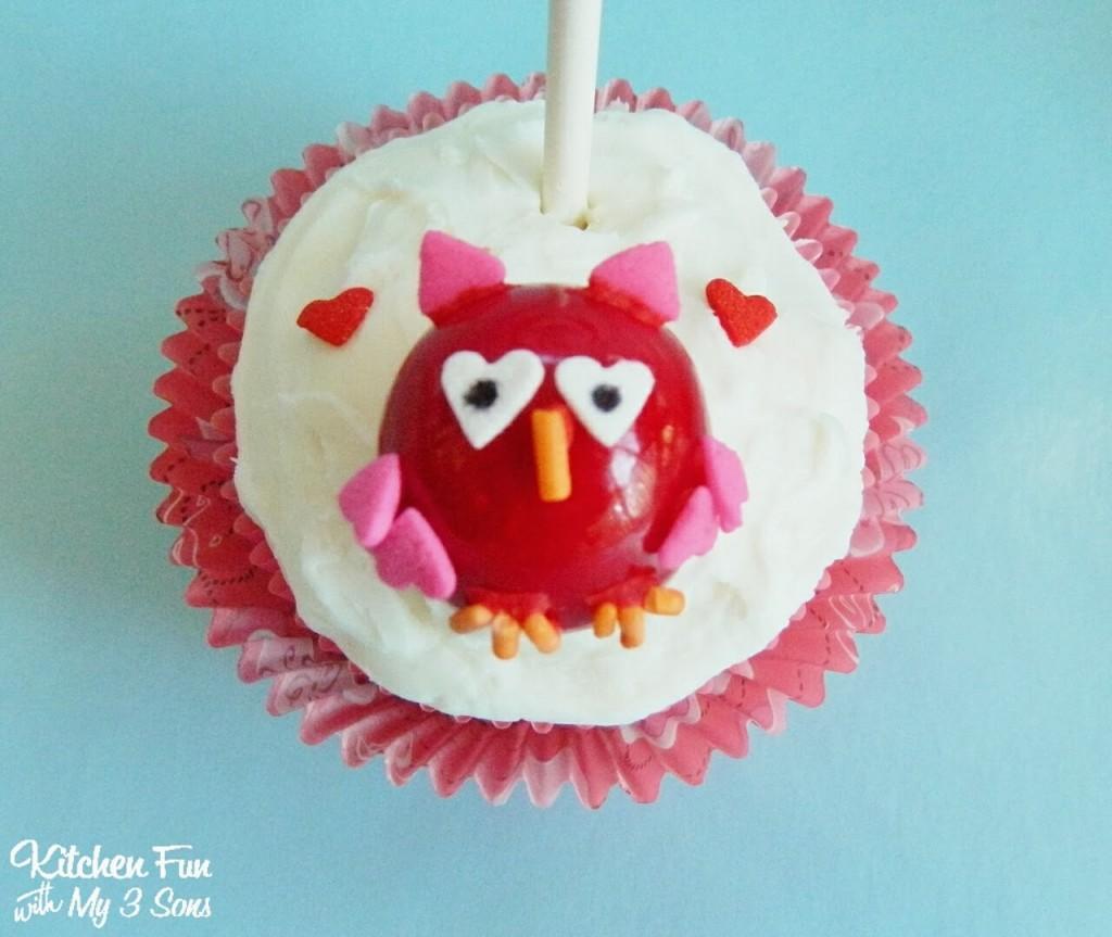 Easy Valentine Owl Cupcake Close Up