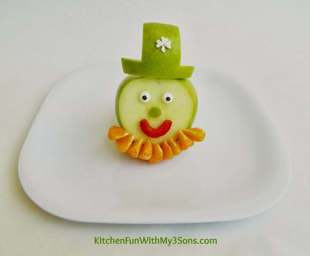 St. Patrick's Day Leprechaun Fruit Snack