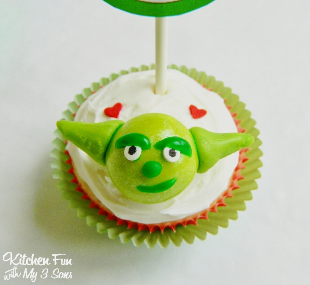Star Wars Yoda Cupcakes Close Up